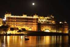 TajLakePalace_at night2